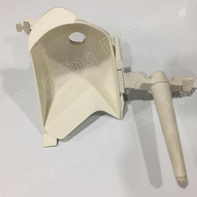automotive-plastic-injection-molding-pick-lamp1.jpg
