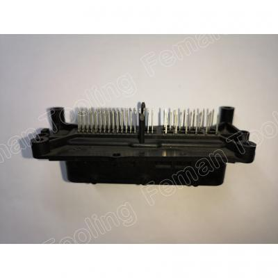 electronics-plastic-innjection-molding-pick-connect-2.jpg